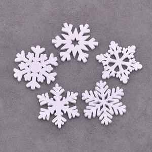 Image 4 - JUNAO 25 35mm Mix Shape Wooden Snowflakes Christmas Decoration for Home Xmas Hanging Ornaments Kids Gifts New Year Decorations