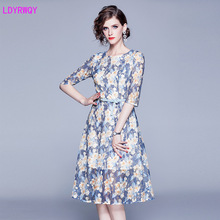 2019 autumn and winter new women's European and American style round neck seven-point sleeve temperament Slim printed lace dress 2019 autumn and winter new european and american women s round neck long sleeved printed lace slim a line dress
