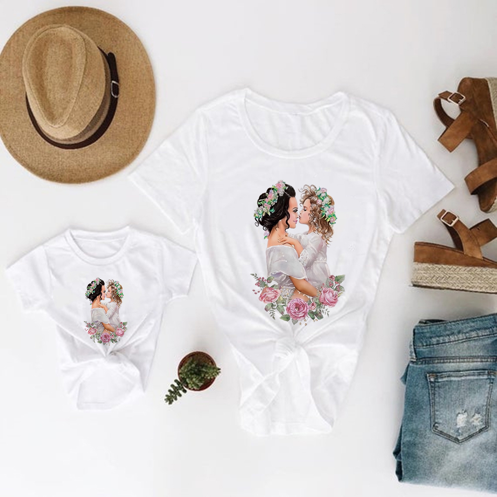 Family Look Super Mom With Garland Mother And Daughter Clothes Spring Summer Kids Clothes Pretty Printing Round Neck Tshirt