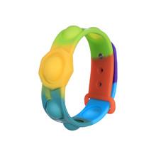 Przenośna prasa Fidget bransoletka zabawki dekompresyjne proste dołek Stress Relief Hand Pops Figet zabawki miękkie silikonowa opaska na rękę tanie tanio CN (pochodzenie) 25-36m 4-6y Chiny certyfikat (3C) Certyfikat europejski (CE) Zwierzęta i Natura Do jazdy Sport PopIt Fidget Toys