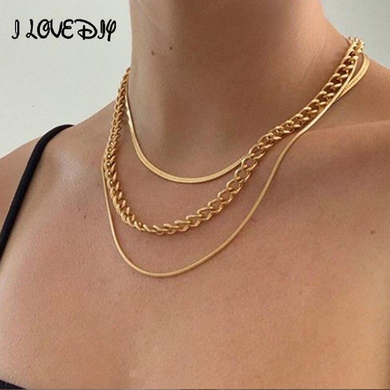 Catene a forma di serpente in metallo multistrato con collana a catena dorata a più strati da donna