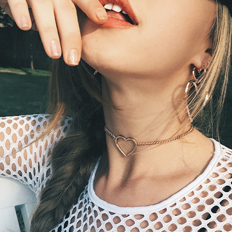 2021 New Gothic Metal Shape Choker Necklaces For Women Simplicity Sexy Hollow Design Gold Charm Necklace Wholesale Jewelry