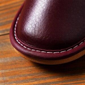 Image 3 - Zapatillas de casa de cuero sintético para hombre, calzado de interior, clásico, para primavera, 2020