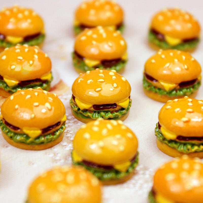 10Pcs/Set Mini Simulation Food Hamburger Pretend Play For Doll Kitchen Toys Dollhouse Miniatures Classic Charms DIY Decoration