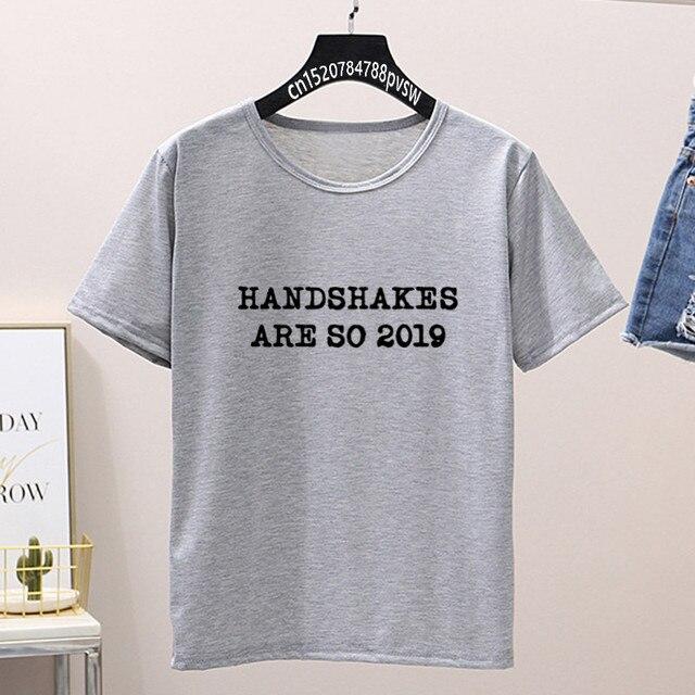 t-shirt-a-manche-courte-et-imprime-graphique