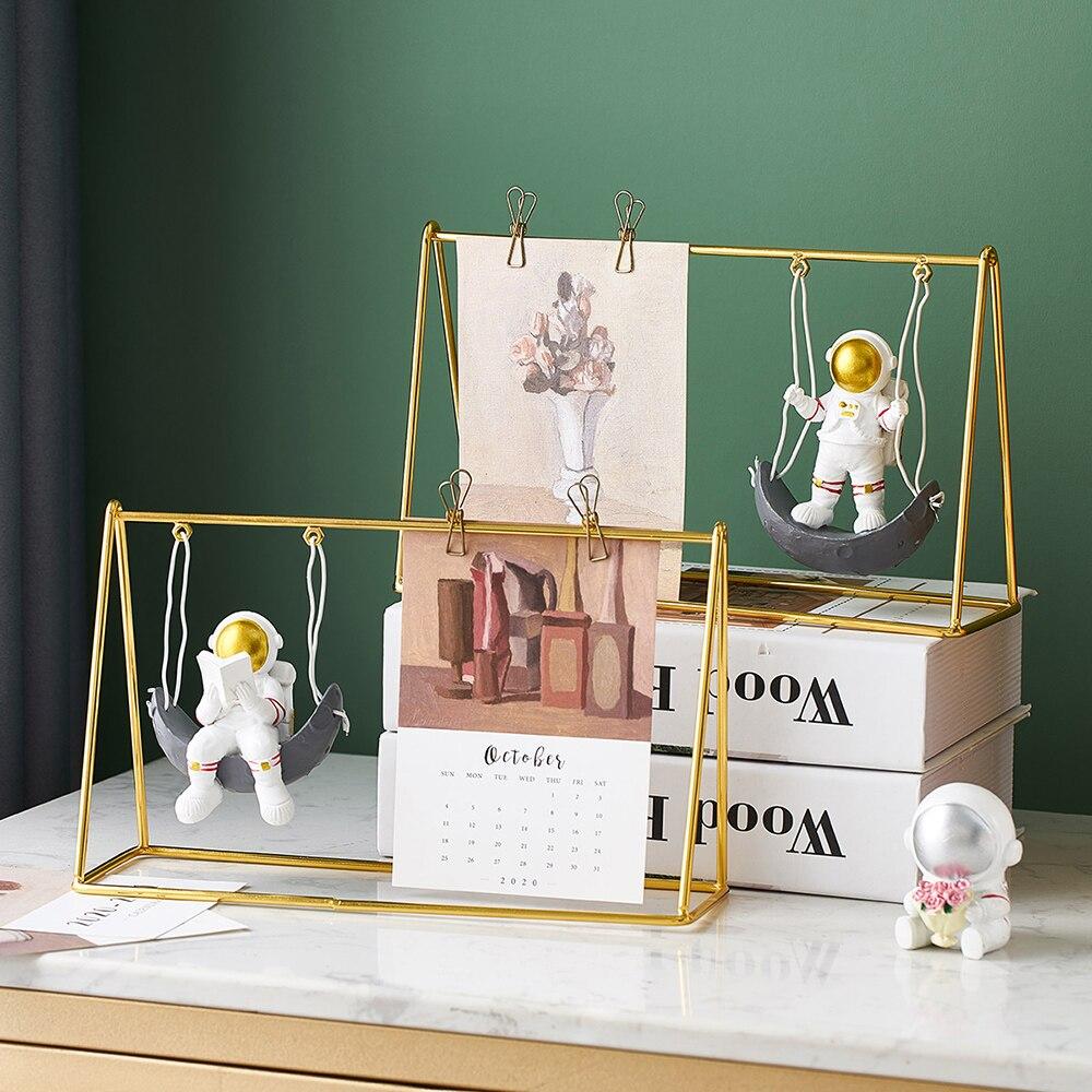 Фигурки космонавта, домашний календарь декора для гостиной, статуи космонавта, офисное украшение для рабочего стола, подарки на день рожден...