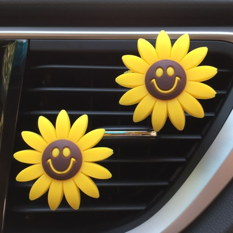 Cute Car Air Freshener Sunflower Shape Perfume Vent Clip Car Fragrance Scent Diffuser Auto Interior Decoration
