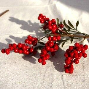 Image 5 - Flor Artificial con bayas rojas falsas, flor de Navidad, árbol de decoración de Año Nuevo, baya Artificial, decoración de Navidad para el hogar