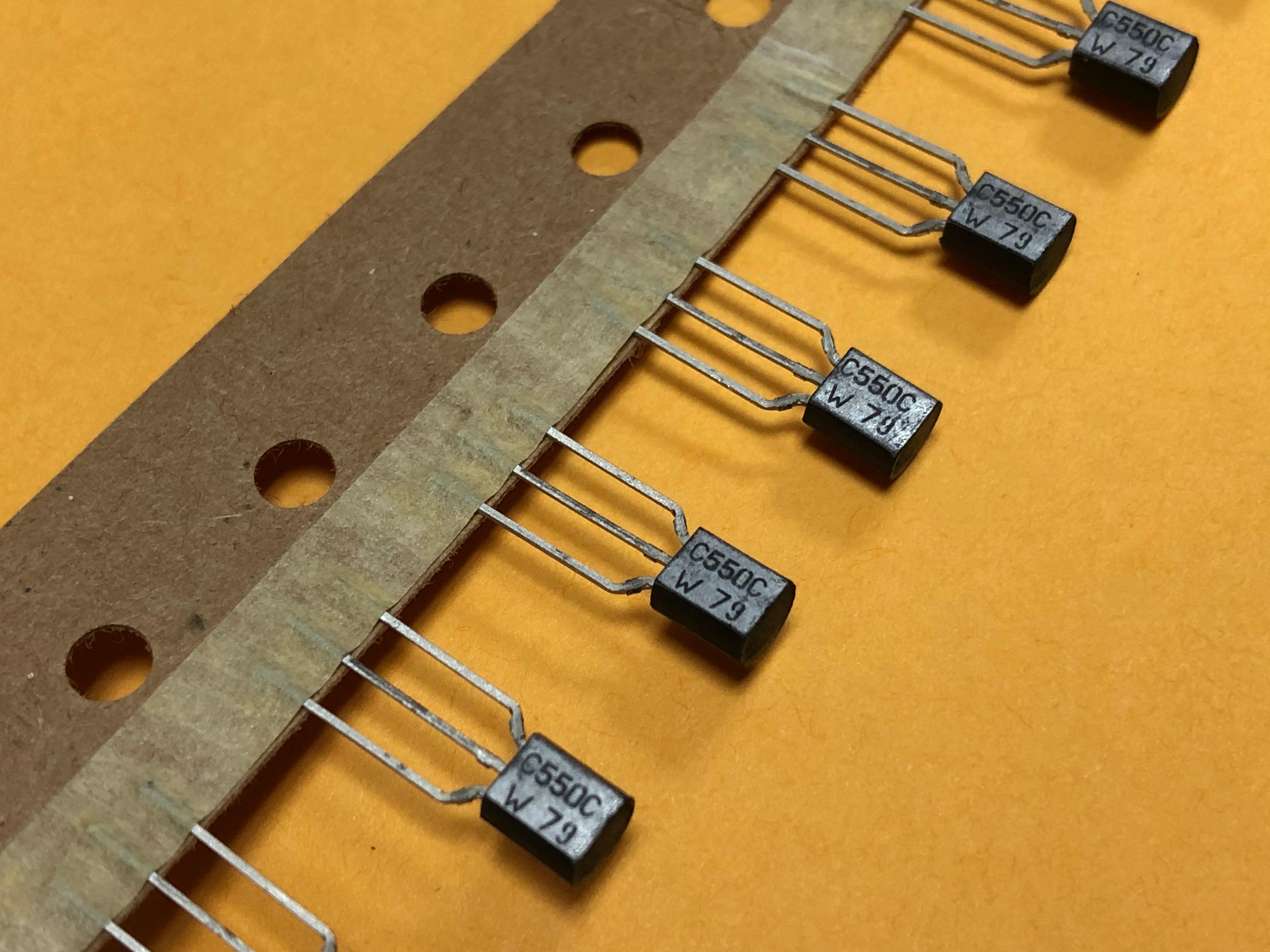 10pcs  BC550C C550 C New Product Original