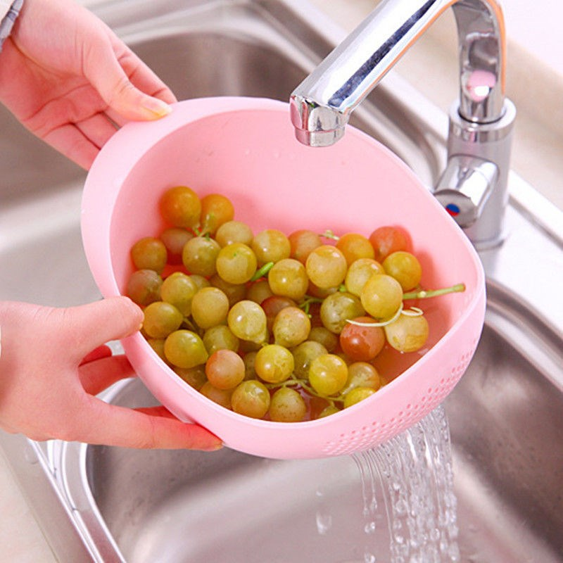 Home Kitchen Convenient Rice Washing Basin Water Bailer Thick Plastic Drain Fruit Basket with Handle Vegetable Cleaning Bailer