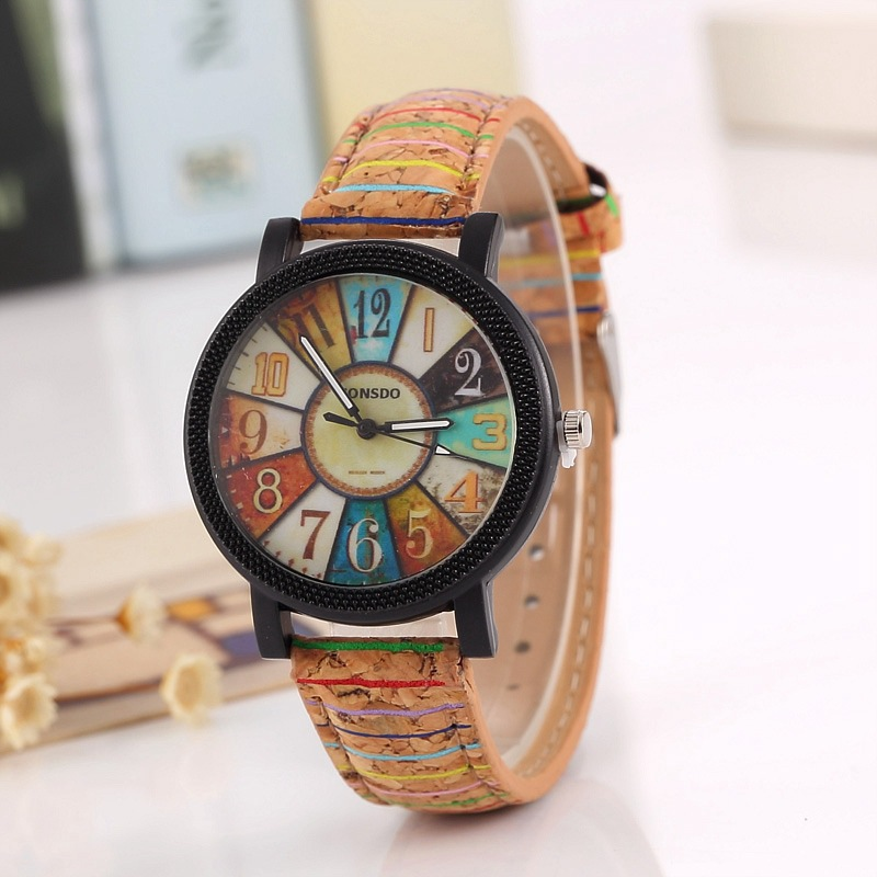 2019 Fashion Women'S Watch Flower Surface Wood Rotary Watch Lady's Fashion Quartz Leisure WristWatches Vintage Stripe Pattern