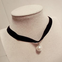 цена на 1 Pc Short Pearl Necklace Women's New Style Clavicle Chain Black Lace Gothic Necklace Chic Gift