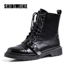 Женские ботинки из натуральной кожи; сезон осень-зима; удобные ботильоны высокого качества; ботинки в байкерском стиле с заклепками и пряжками в стиле ретро; J875