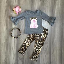 Nova chegada outono/inverno bebê meninas cinza rosa porco leopardo outfits leite calças de seda definir roupas plissado boutique acessórios de jogo