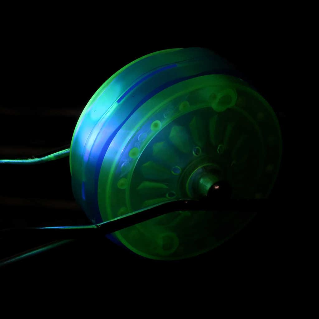 O diodo emissor de luz colorido pisca o brinquedo mágico do volante YO-YO da bola do rolamento do trilho para presentes das crianças