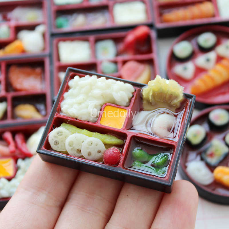 2PCS Kawaii Mini 1/6 Scale Miniature Dollhouse Janpanese Sushi Rice Food for Blyth Barbies BJD Doll House Kitchen Accessorie Toy