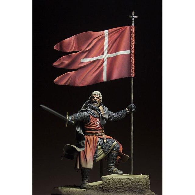 Resin Figure 1/24   ancient stand warrior man Model Unassambled Unpainted  Figure Building Kit 1