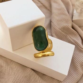 bague-argent-avec-pierre-verte
