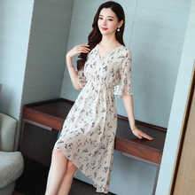2019 summer new women floral chiffon dress short-sleeved elastic waist V-Neck print Dress