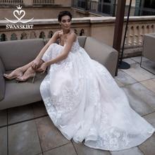 Vestido De Noiva Appliques Lace A Line Wedding Dress 2020 Sweetheart Sleeveless Court Train Crystal Bridal Gown Swanskirt K183