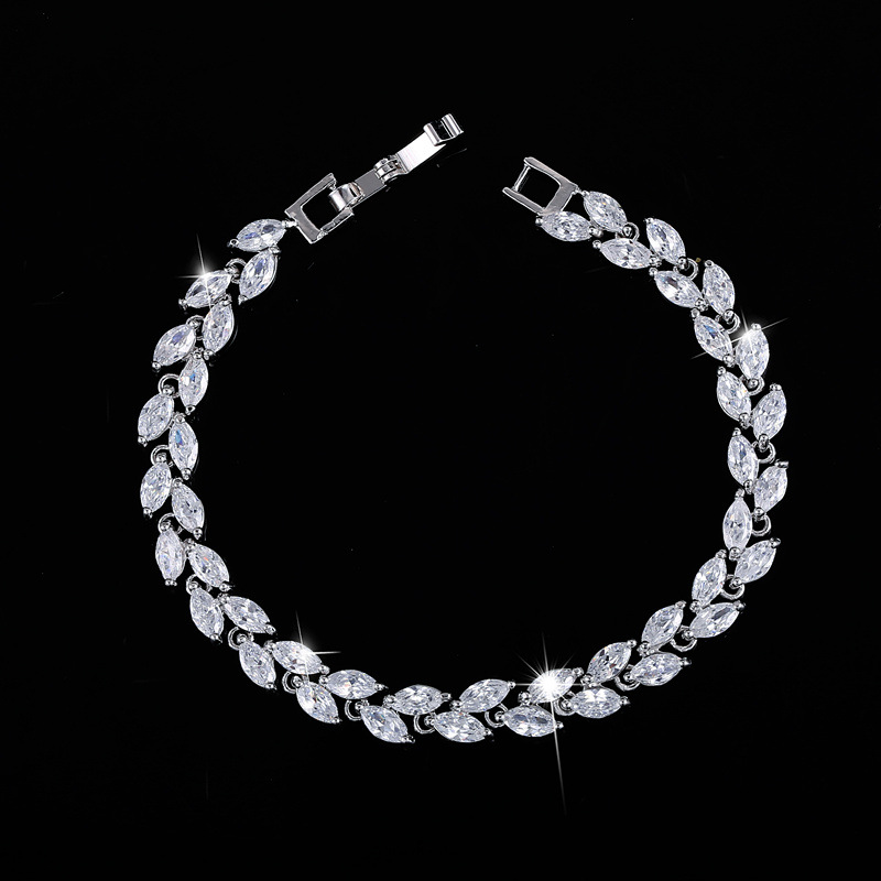 Fashion model beauty leaves shape with high quality zircon stones women Jewery bracelet