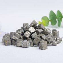 Натуральный квадратный халкопирит пиритовый минерал рандомный
