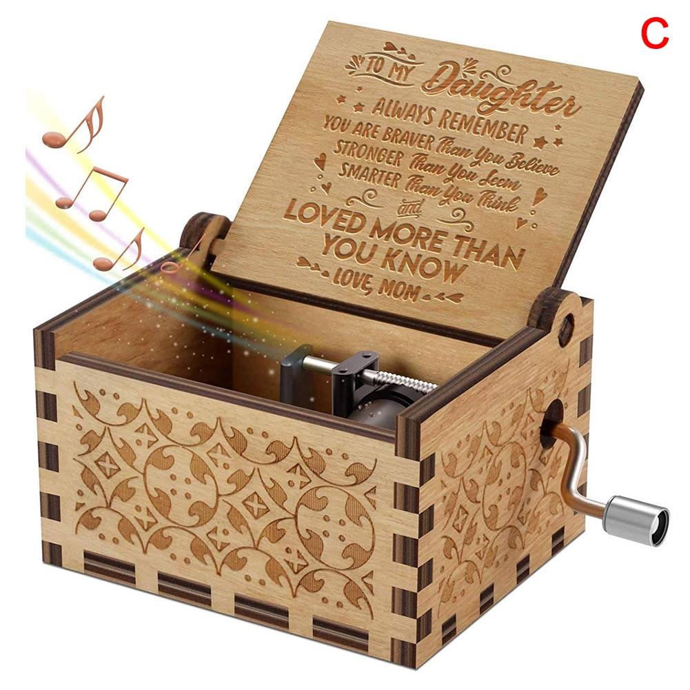 2020 New Vintage Music Box Engraved Wooden Hand Crank Music Box Mom Dad Love Birthday Gift