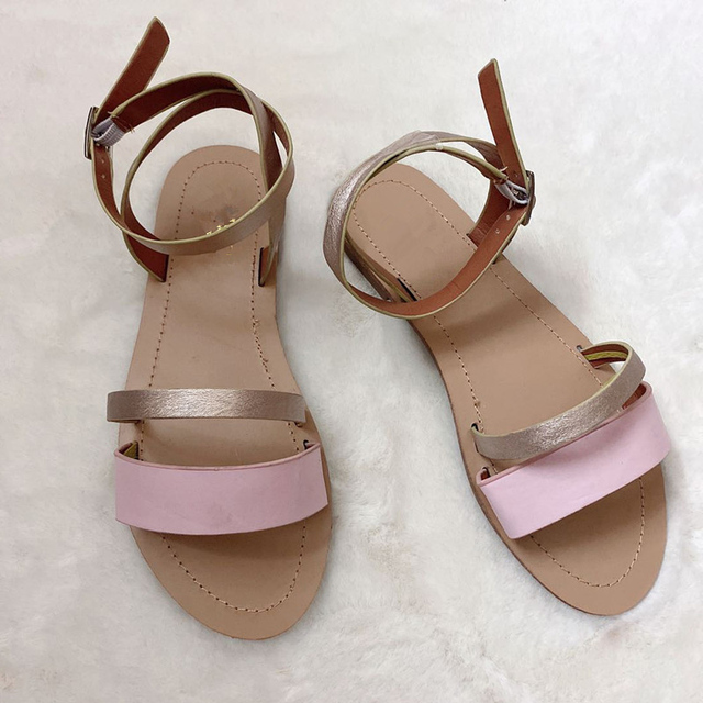2020 sandalias de mujer planas de verano de Sanke Casual de gran tamaño 41 zapatos de hebilla de tobillo dorado de playa para mujer Calzado cómodo fresco 2