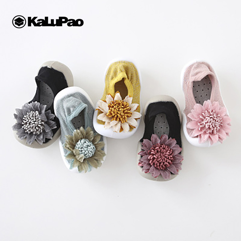 Baby Shoes Girls Anti Slip Outdoor Shoes Soft Rubber Soles Toddler Shoes Newborn First Walkers Attipas Cotton Infant Socks