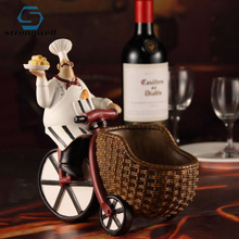 Strongwell European Chef Wine Rack Resin Crafts Western Restaurant Home Decorations Ornaments Kitchen Cabinet Window