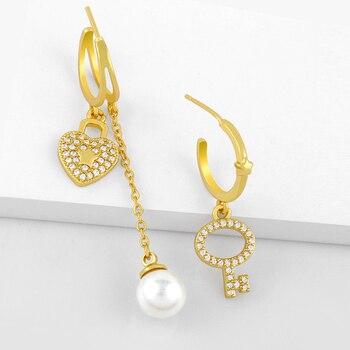 FLOLA-pendientes de perlas de cadena y corazón dorados para mujer, de circonia cúbica, accesorio de candado, aretes asimétricos, Huggie Pave, regalos de joyería ersv37