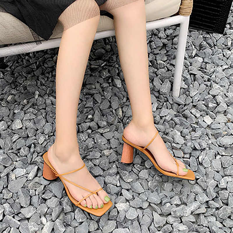 Sandali Da Donna Tacco In Legno Pantofola Dell'annata Punta Quadrata Banda Stretta di Alta Tallone Delle Donne Dei Sandali di Estate Scarpe Da Donna di Lusso Designer di R