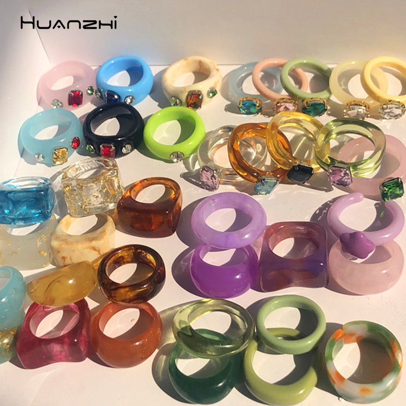 HUANZHI 2021 New Colourful Transparent Resin Acrylic Rhinestone Geometric Square Round Rings Set for Women Jewelry Travel Gifts
