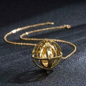Creative Astronomical Ball Necklace Complex Rotating Clamshell Astronomical Pendant Universe Student Constellation Jewelry