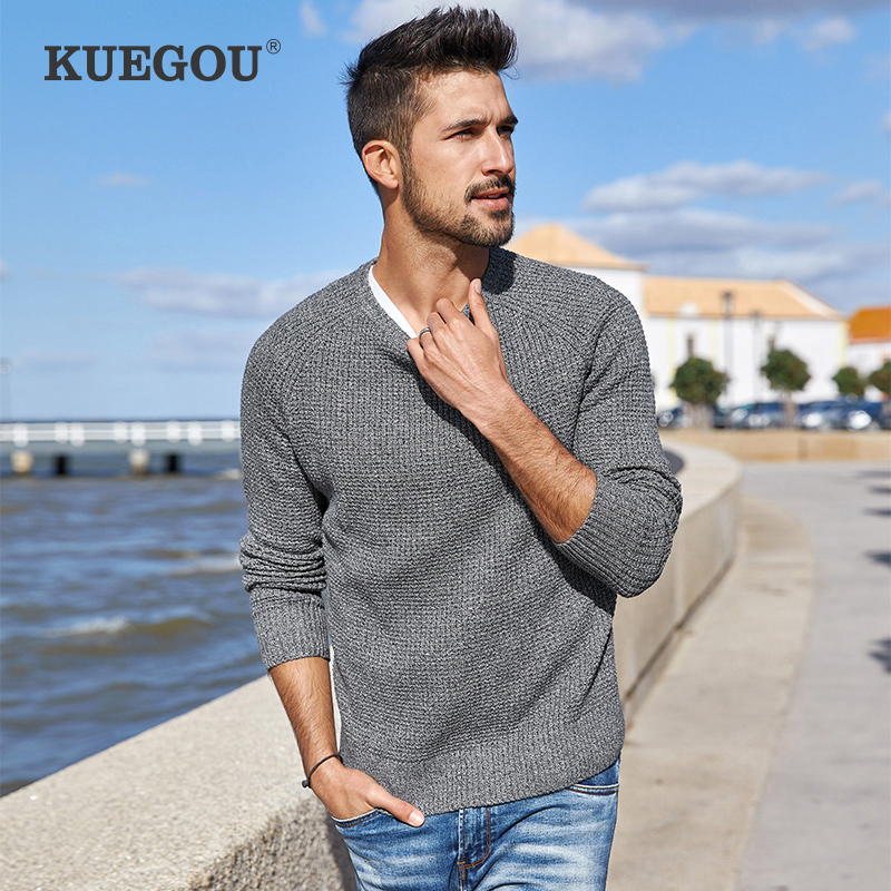 KUEGOU Men Sweater Round Neck Embroidery Knitted Slim Warm Knitwear Pullovers