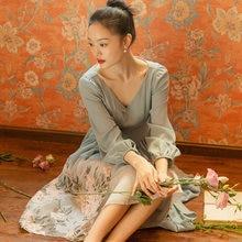 Шифоновое платье с вышивкой во французском стиле длинными рукавами