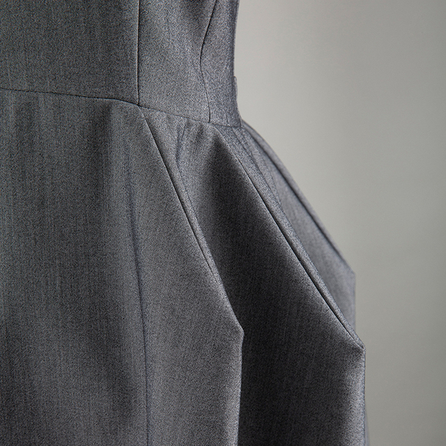 [EAM] Women Three-dimensional Gray Backless Dress New Round Neck Sleeveless Loose Fit Fashion Tide Spring Summer 2020 1U792