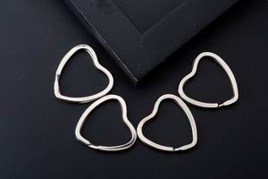 DHL 5000pcs 31mm Metal Key Holder Rings Keyring Love Heart Silver Cute Keychain Craft Toy