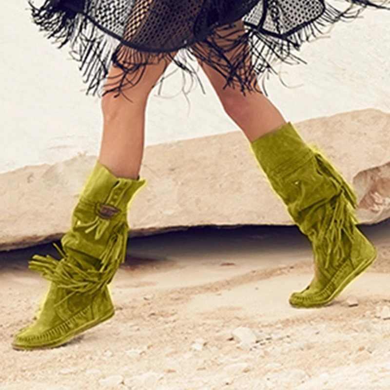 Güzel kadınlar etnik tarzı orta tüp düz ayakkabı şık sıcak kürk çizmeler düşük topuk süet çizmeler uzun saçak kış işlemeli Boot