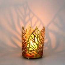 1PCS Wrought Iron Hollow Leaf Candlestick Holder Candle Wedding Props Crafts Home Decoration lantern cast iron lantern candle holder tealight holder lantern owl crafts table top crafts