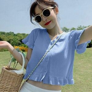 Корейская версия, v-образный вырез, вязанные кружевные короткие приталенные футболки с коротким рукавом, 6 цветов, один размер, топ с рукавам...