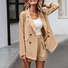 Elegant double breasted blazer