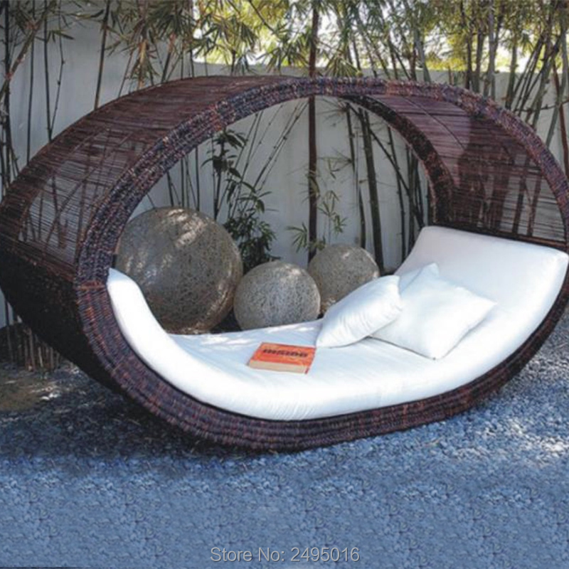 Outdoor Chaise Lounge With Cushions , Daybed Sun Lounger Rattan Brown Waterproof For Poolside, Beach, Patio