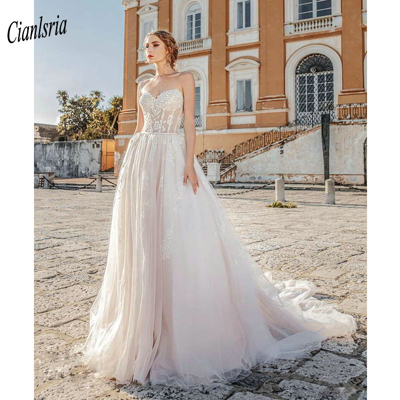 Gorgeous Sweetheart Sleeveless Country Wedding Dress With Sashes Backless Appliques Lace Long Bridal Wedding Dresses