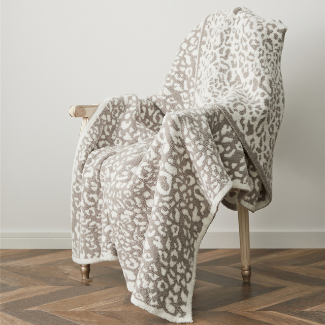Knitted Printed Blanket 4