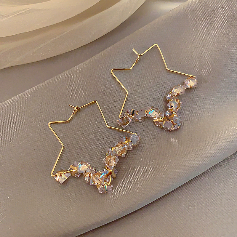 Fashion Hollow out Five-pointed Star Crystal Earrings Delicacy Earrings Ear Ring French High Grade Sense