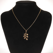Glamour Necklace 2020 Fashion New Simple Temperament Trend Leaves Long Creative Women Necklace Gift Wholesale Capsule Pendant(China)