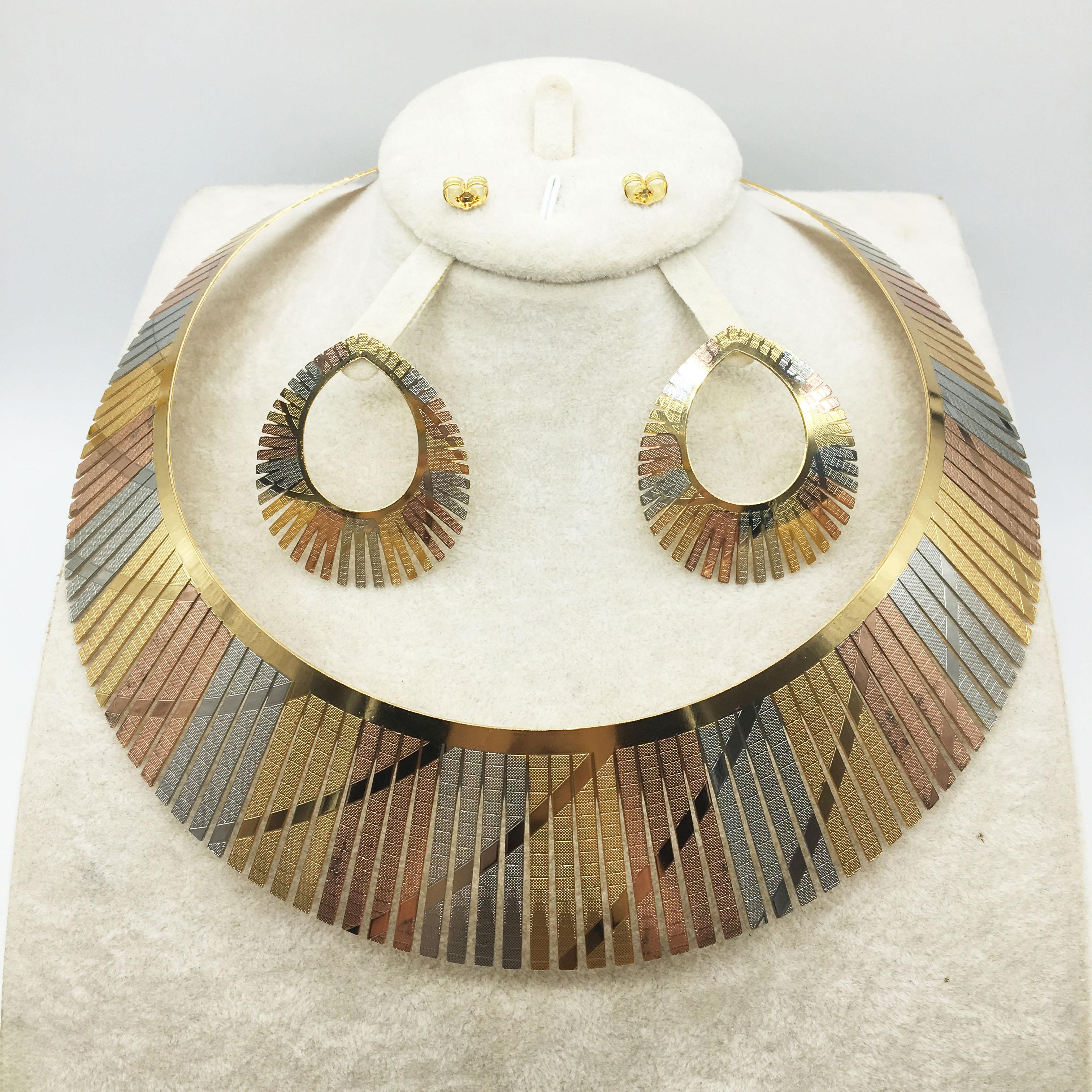 Новый стиль, яркие ювелирные изделия из Дубая под золото для женских юбилеев и дней рождения