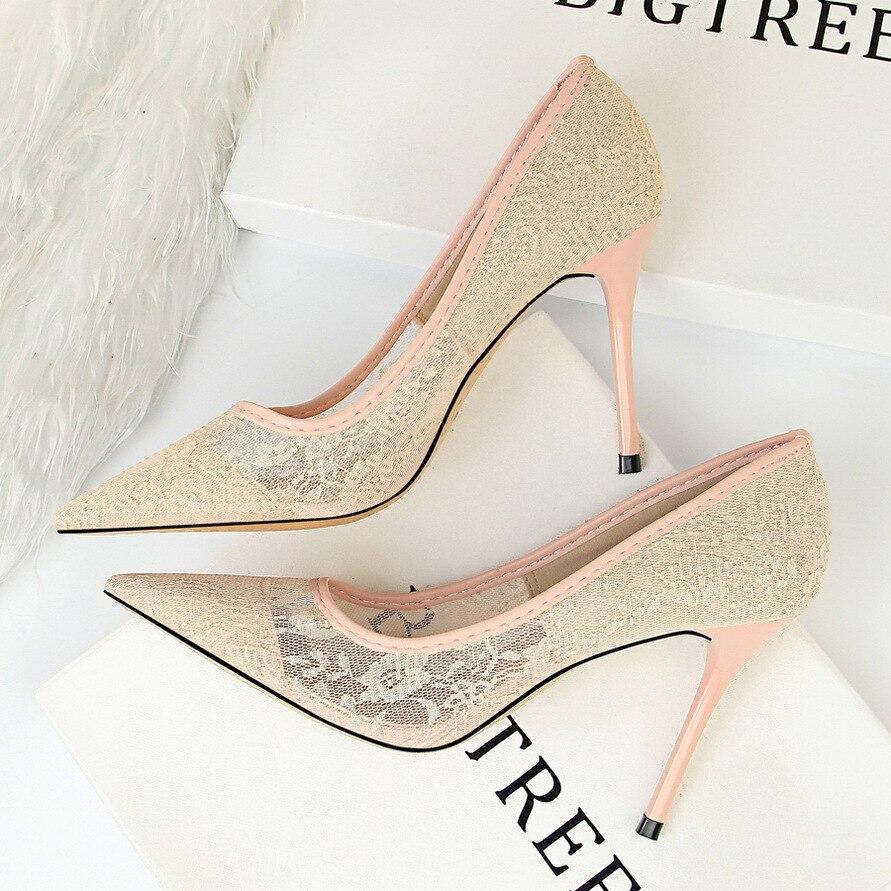 LMCAVASUN/элегантные женские туфли-лодочки на высоком каблуке; прозрачные свадебные туфли с цветочным кружевом; женская пикантная обувь для веч...