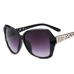 Image 3 - Retro klasik güneş gözlüğü kadın büyük boy Oculos De Sol Feminino moda Sunglaasses kadınlar marka tasarımcısı ucuz güneş gözlüğü kız